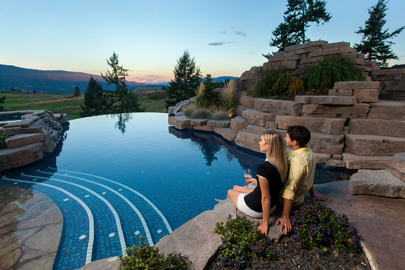 Rosetta Hardscapes for the backyard poolside of your dreams