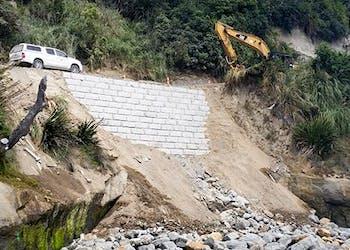 Gravity Walls Aid New Zealand Road Repair