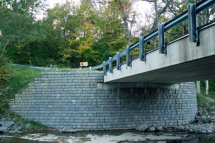 New Cobblestone MSE walls support Gaynor Road bridge