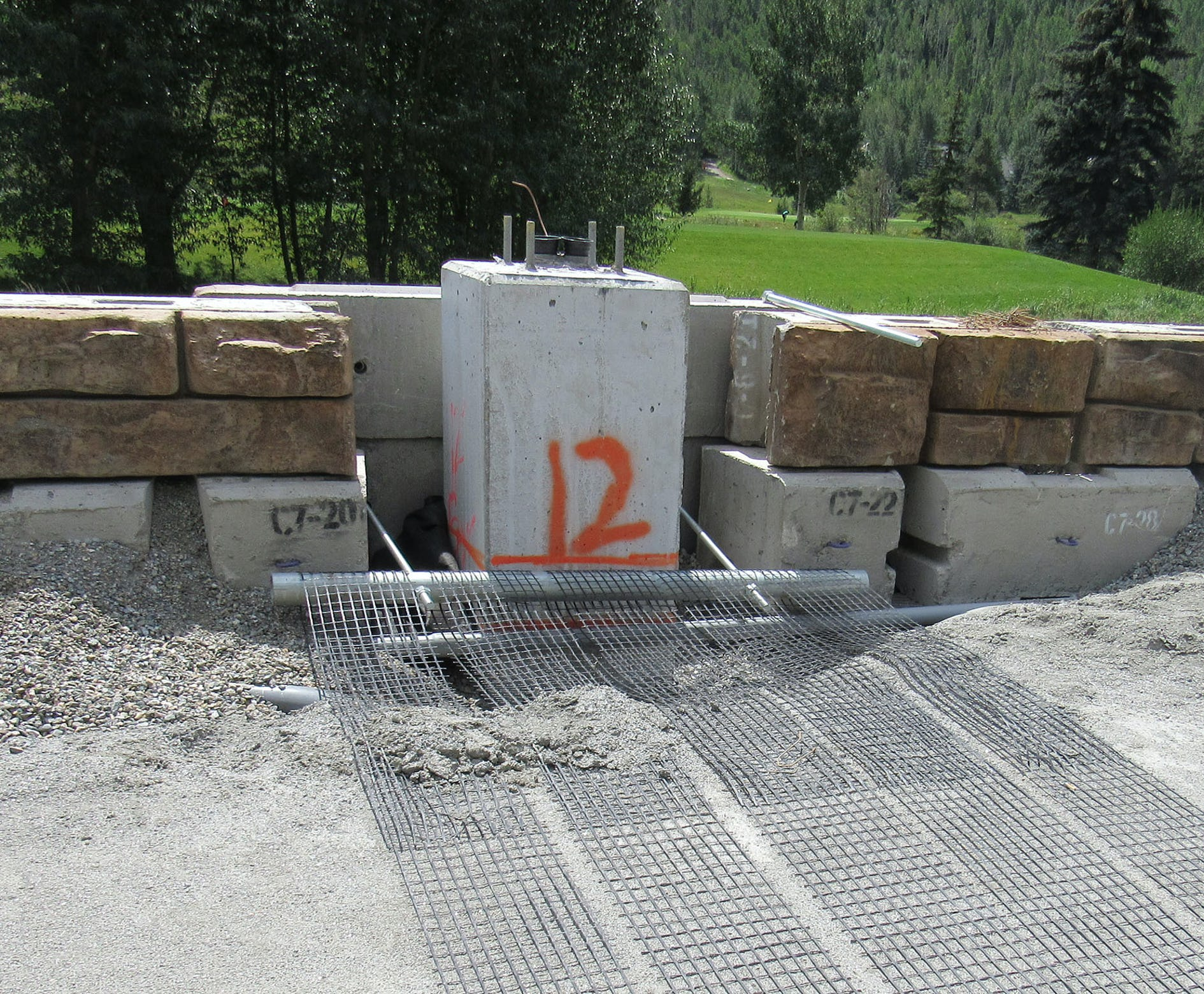 RR_Case-187_Signature-Stone_Vail-Chain-Up-Station_2.jpeg