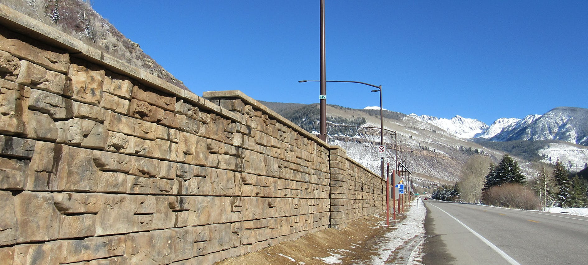 RR_Case-187_Signature-Stone_Vail-Chain-Up-Station_3.jpg