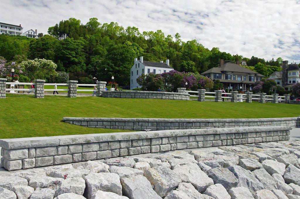 Freestanding Cobblestone walls and columns accent the Harbor