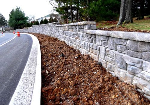 Redi-Rock_Ledgestone_Gravity_Highways&Roadways_FosterSupply_ClaysMill_1.jpg