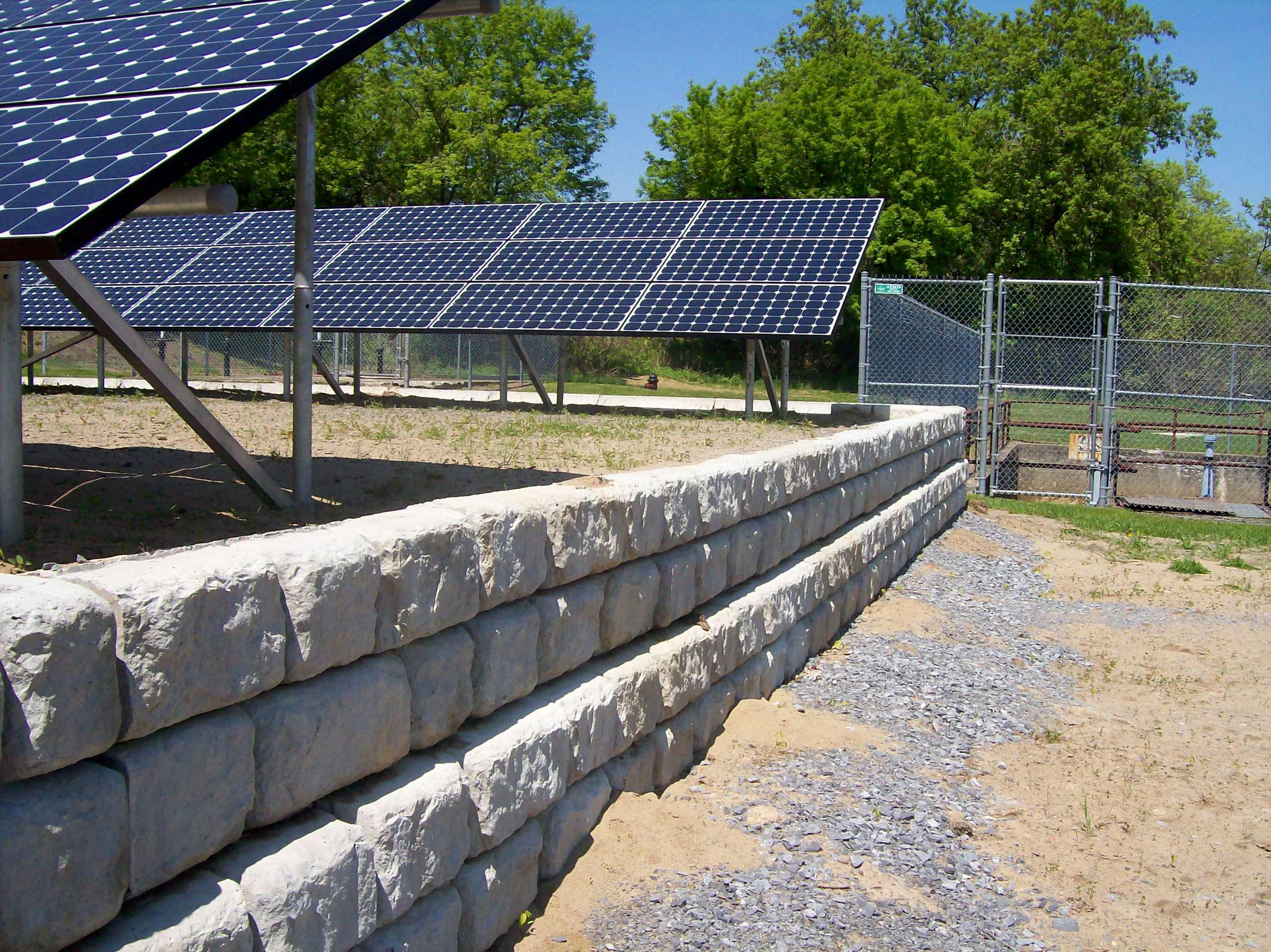 Redi-Rock-cobblestone-gravity-commercial-RRWAdirondacks-SolarPanelsSaratogaSprings_1.jpg