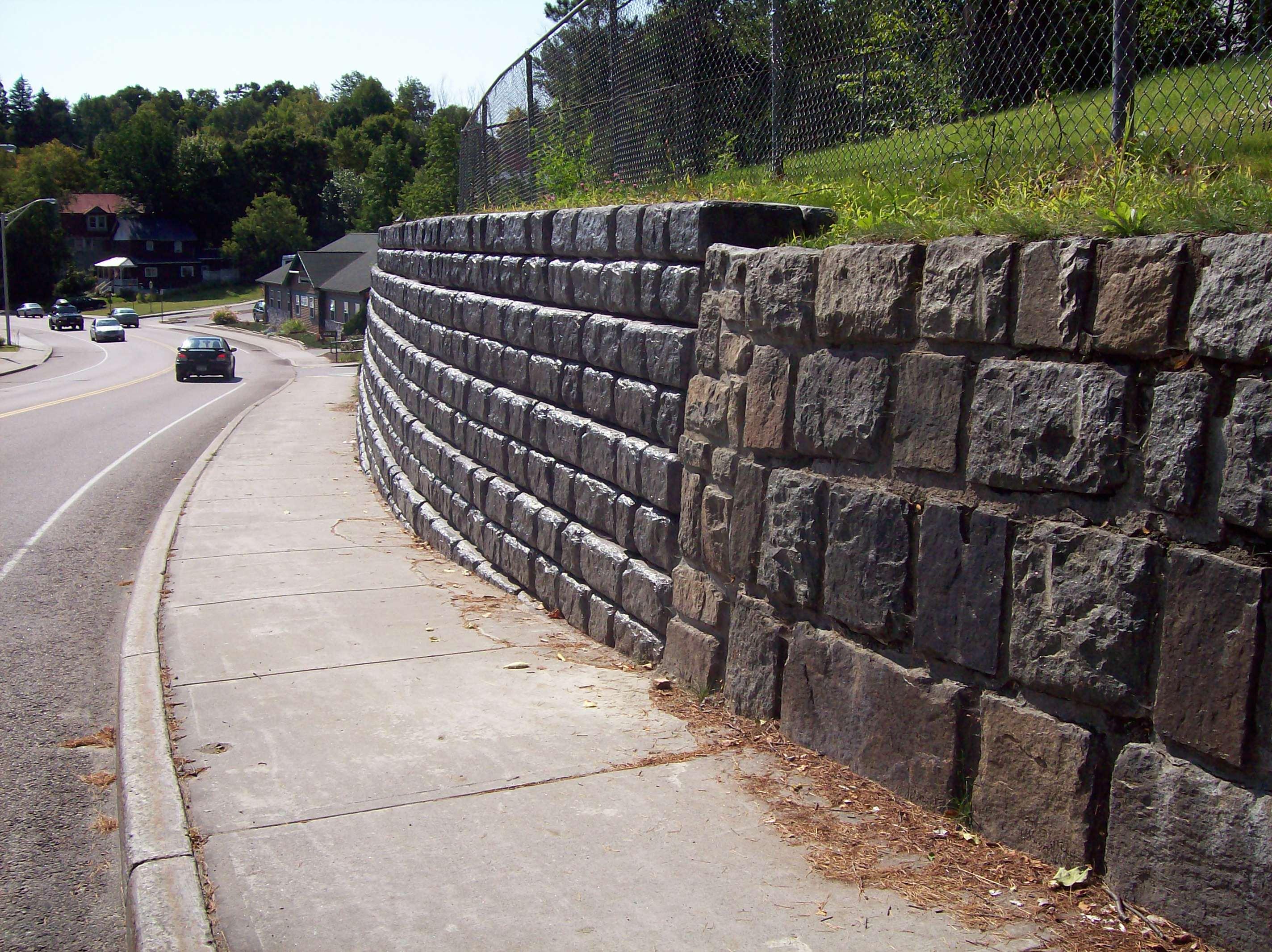 Redi-Rock-cobblestone-gravity-roads-RRAdirondacks-GarwoodPark_1.jpg