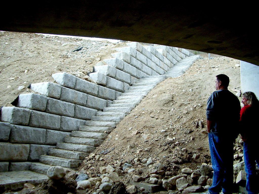 Bridge abutment walls and steps