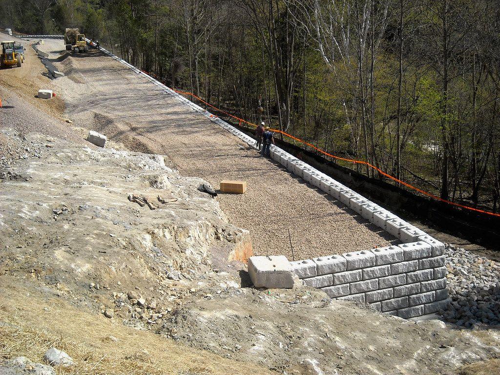 Redi-Rock_limestone-reinforced-commercial-RRofNE-VELCO_1.jpg