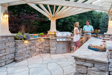 Outdoor Kitchen by Rosetta Hardscapes
